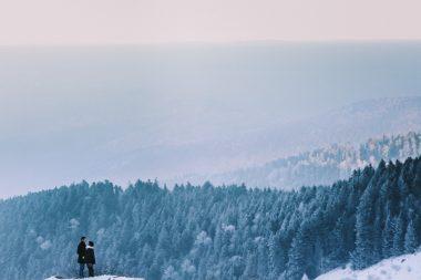 Séance maternité en montagne